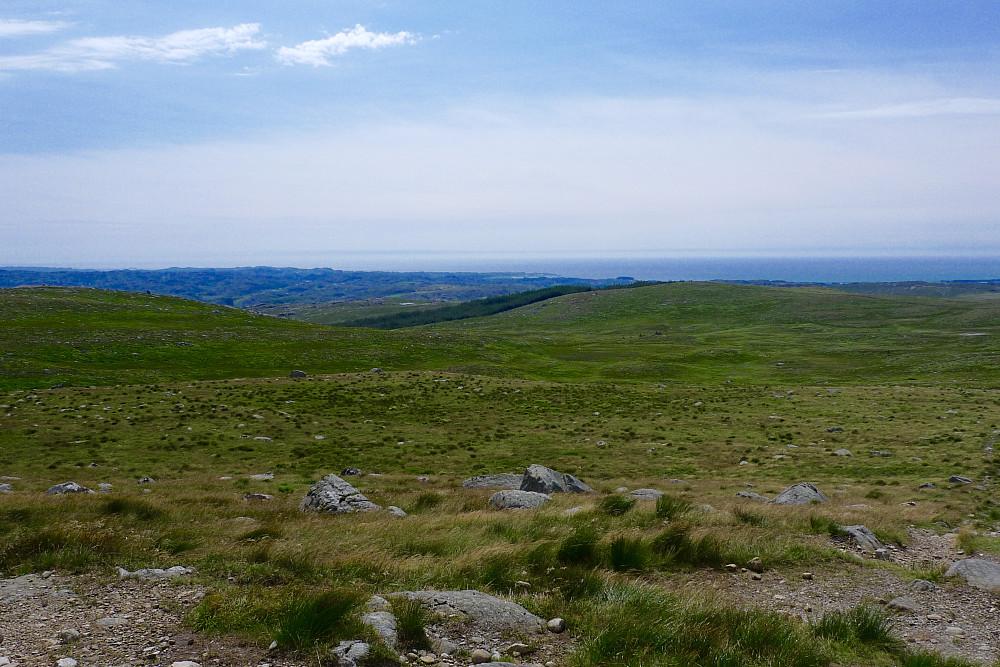 Utsikt vestover mot havet fra Synesvarden