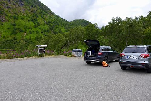 Parkeringen på Ingelsfjord ved E10