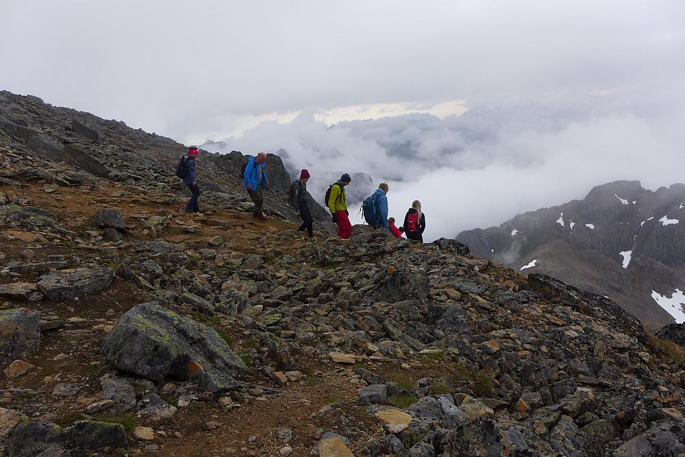 Like før breen før toppen møtte jeg en gruppe fra Møysaltur som kom fra Lonkanfjorden