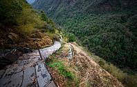 Steintrapper mellom Bamboo og Chomrong