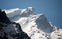 Mye snø på Mardi Himal