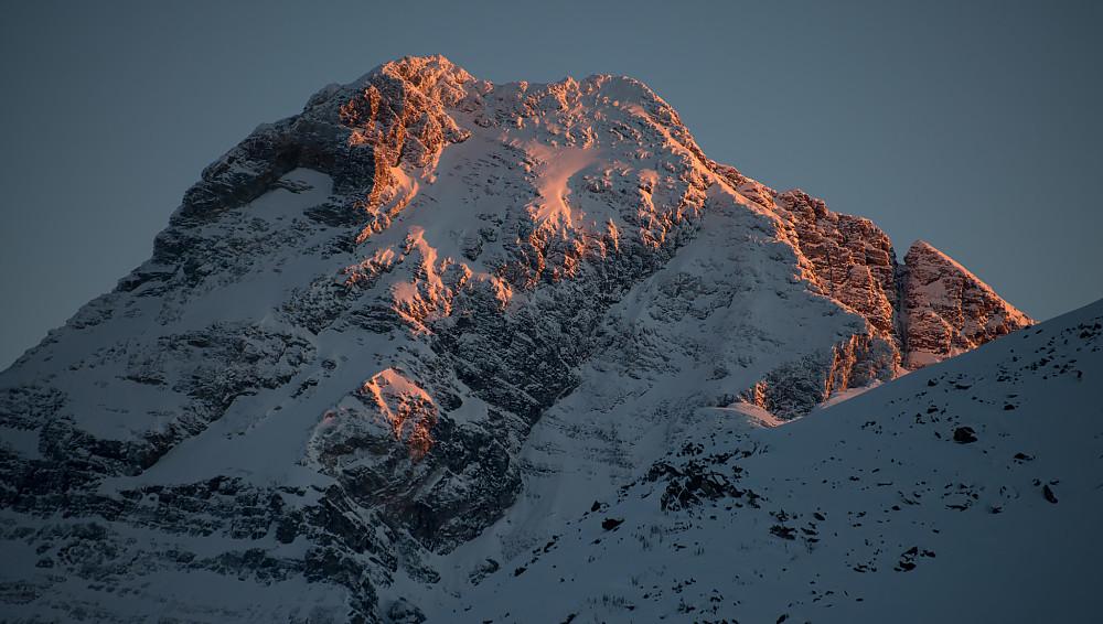 Mount Sir Donald (3284m), ett populær fjell å klatre i sommerstid