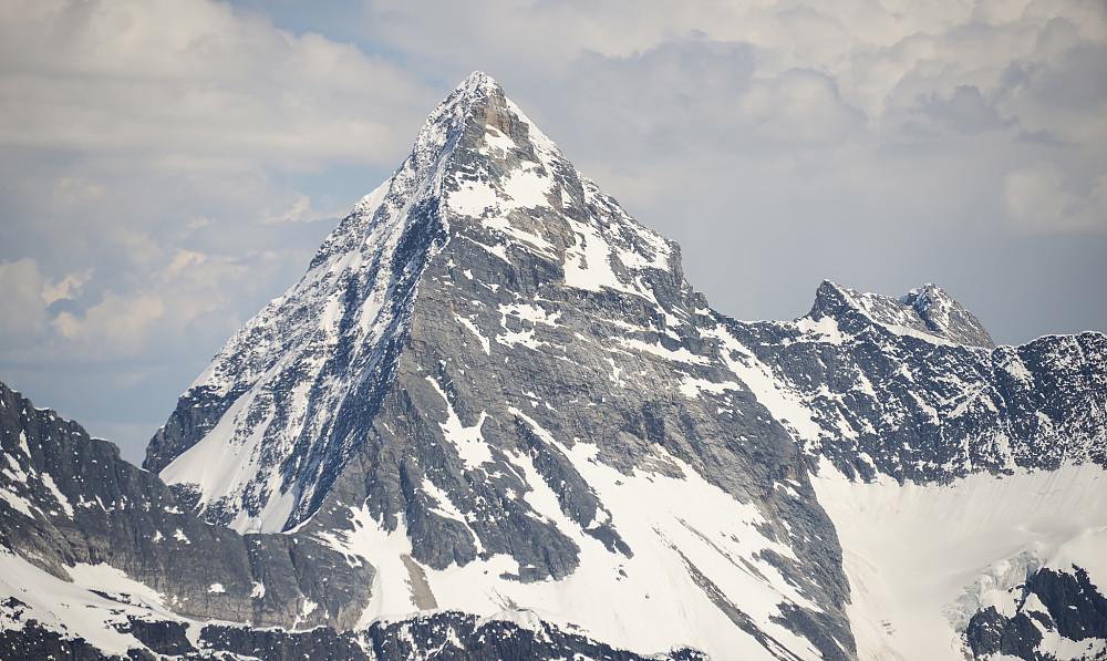 Rimelig tøff profil av Mount Sir Donald