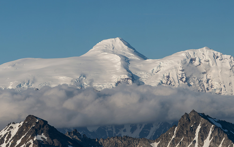 Mount Spurr (3374m)