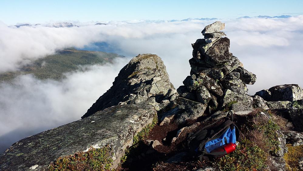 Toppvarden på Melen - ut mot nordtoppen