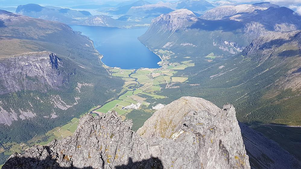 På Gråfonnfjellet - mot Innfjorden