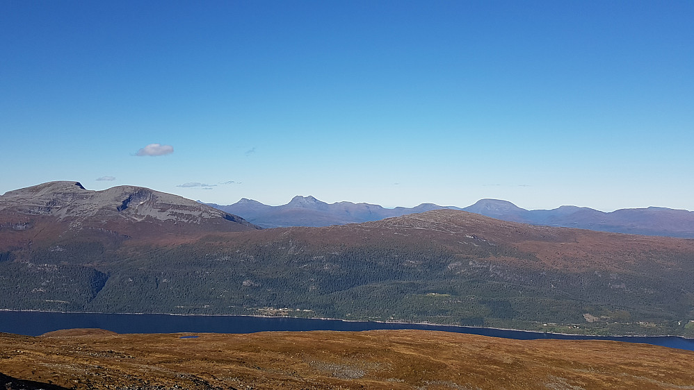 Moldes høyeste topp Skåla til venstre - utsikt nordover