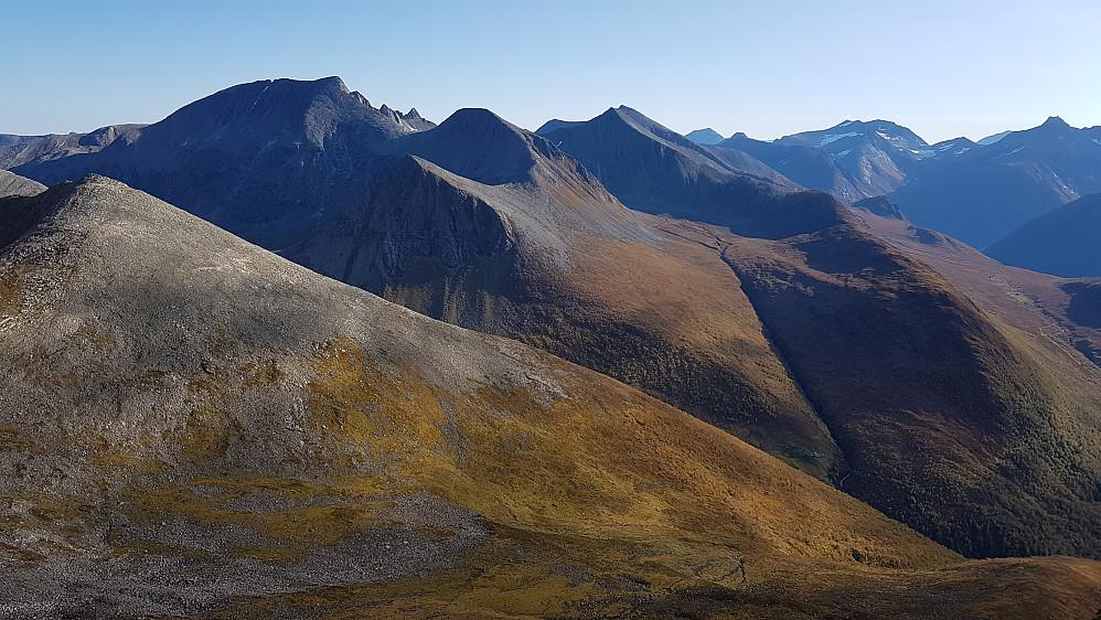 Majestetisk utsikt mot Klauva-massivet fra Snortungen sør