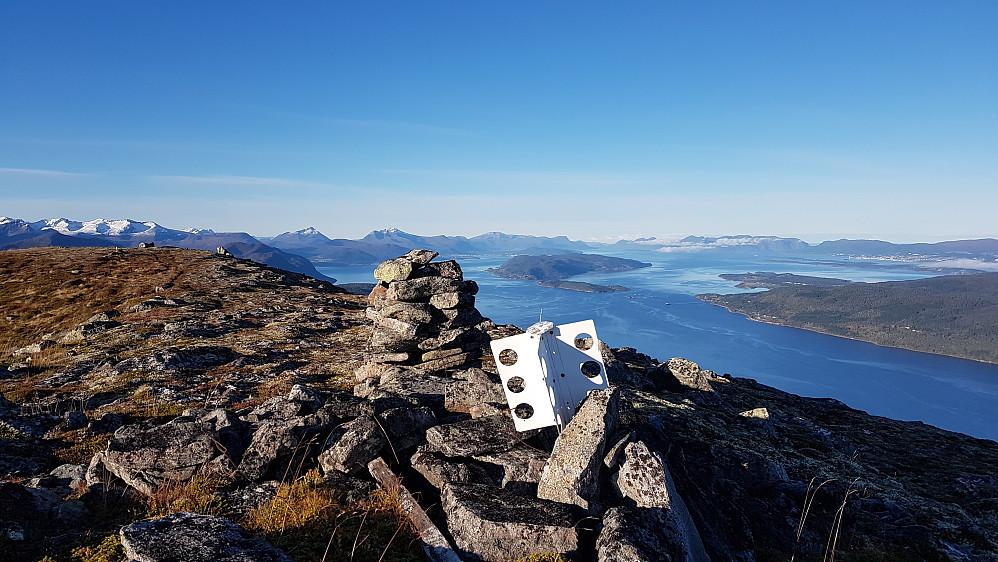 Bilde mot Romsdalsfjorden og Molde også fra Morkanebba :-)