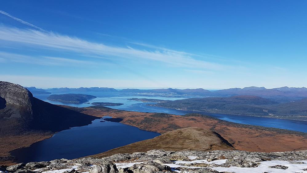 Nydelig mot Herjevatnet, Romsdalsfjorden og Molde!