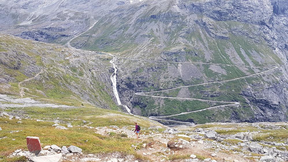 Siste fine biten ned til Trollstigen