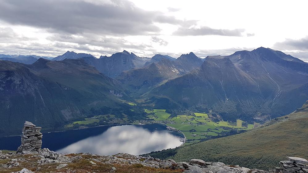 Innfjorden og mye kjente fjell bak :-)