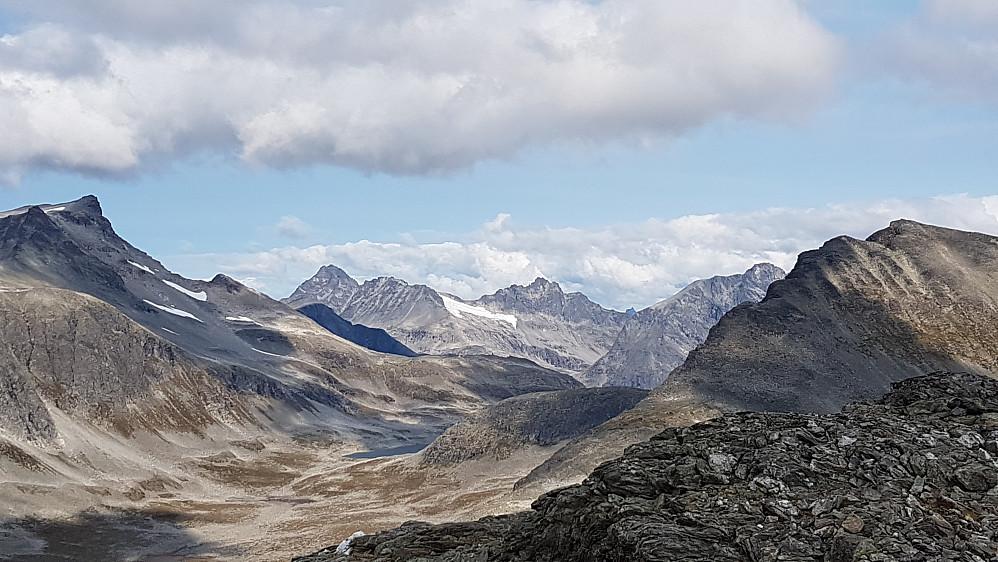 Utsyn mot mektige Romsdalstopper