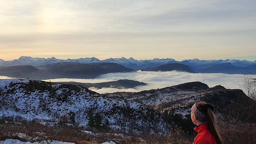 Tåkehav mot Osmarka (og mange kjente Romsdalsfjell på dette bildet)