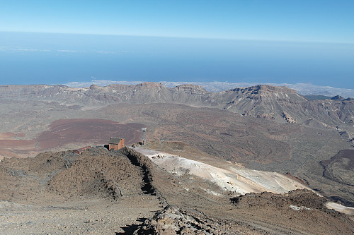 Heisstasjonen sett fra toppen av Teide.
