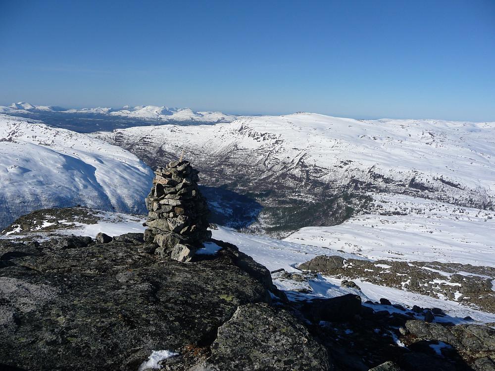 Mot Søyådalen fra nordre Fauskånebba