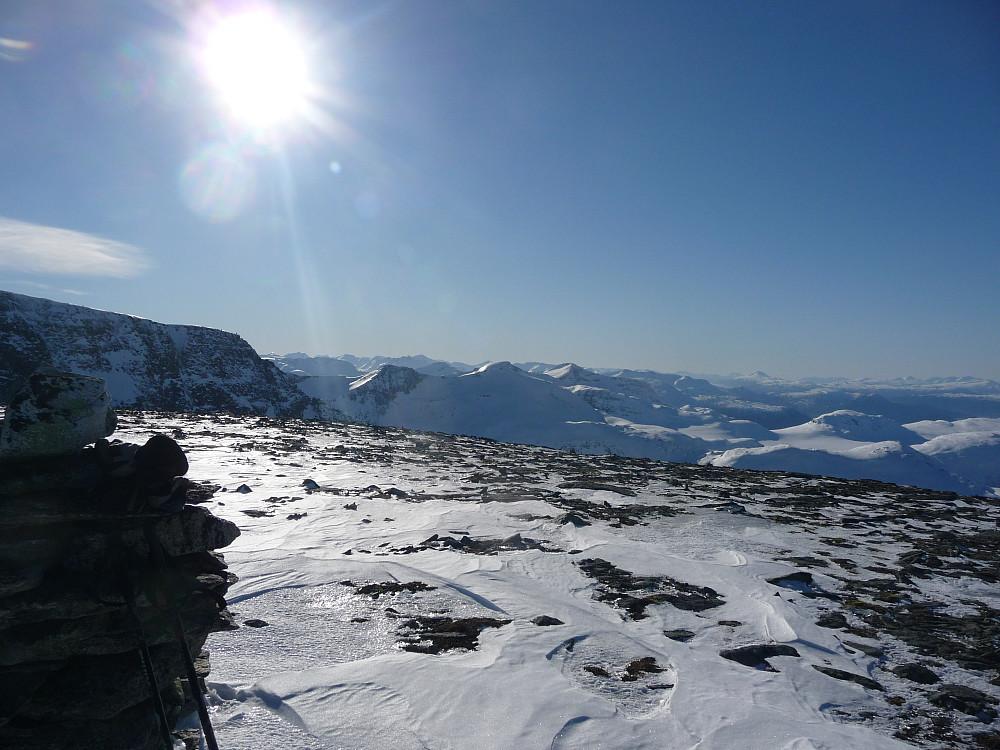 Mot Trollhøtta traversen og Blånebba i sørvest