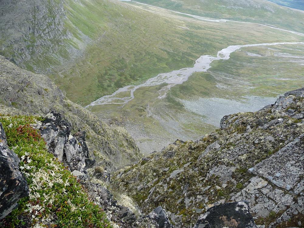 Ned mot dalen mot Tverbekken