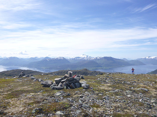 Toppen av Fausksåtå, utsikt mot Molde.