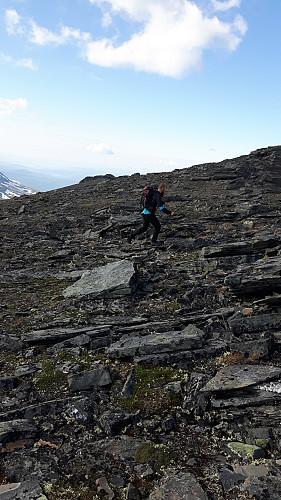 Andreas undergår de siste par hundre meterne før toppen.