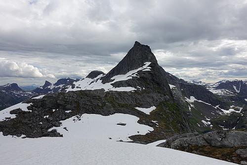 Nordsiden av Kjerringtinden