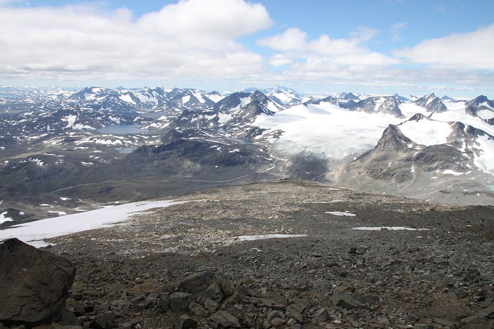 Formidabel utsikt over Jotunheimen og Hellstugutindane