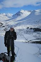 Geir Ståle med Ådalstinden i bakgrunnen.