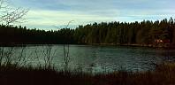 Utsikt mot hytta ved Trolltjern som ligger imellom disse to toppene