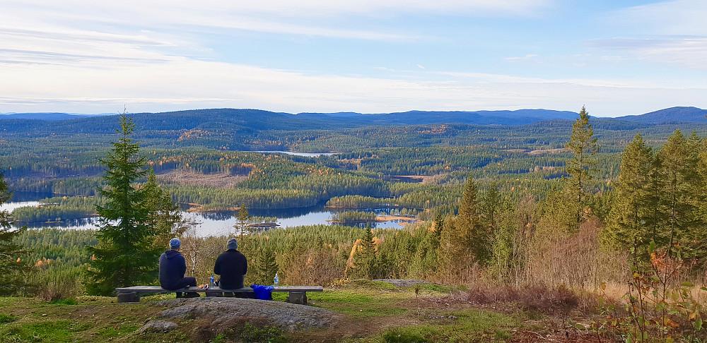 Øyungen sett fra utsiktspunktet ved Sellanrå turisthytte