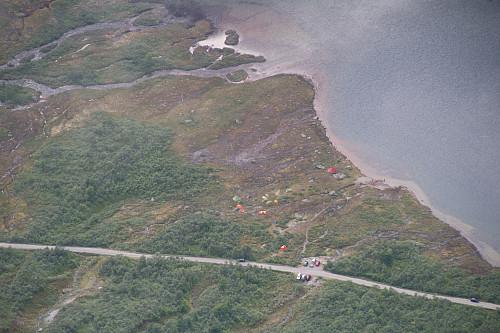 Teltcampen i sørenden av Vengedalsvatnet (foto Einar R).