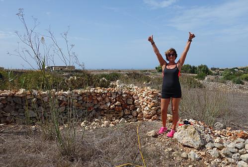 På toppen av Malta (ref. koordinatene på PB). Lunchen tok vi i ly av steinmuren bak da dette nok var privat område.