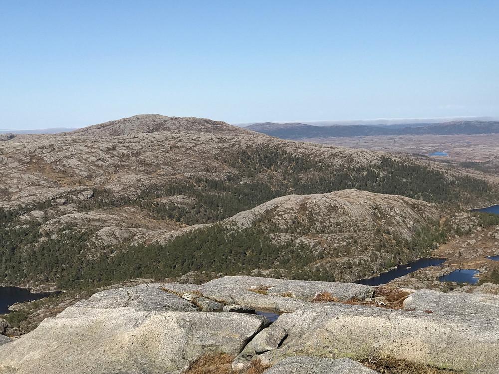 Fra Stortua over til Skårfjellet er det ikke helt trivielt å finne enkleste rute.