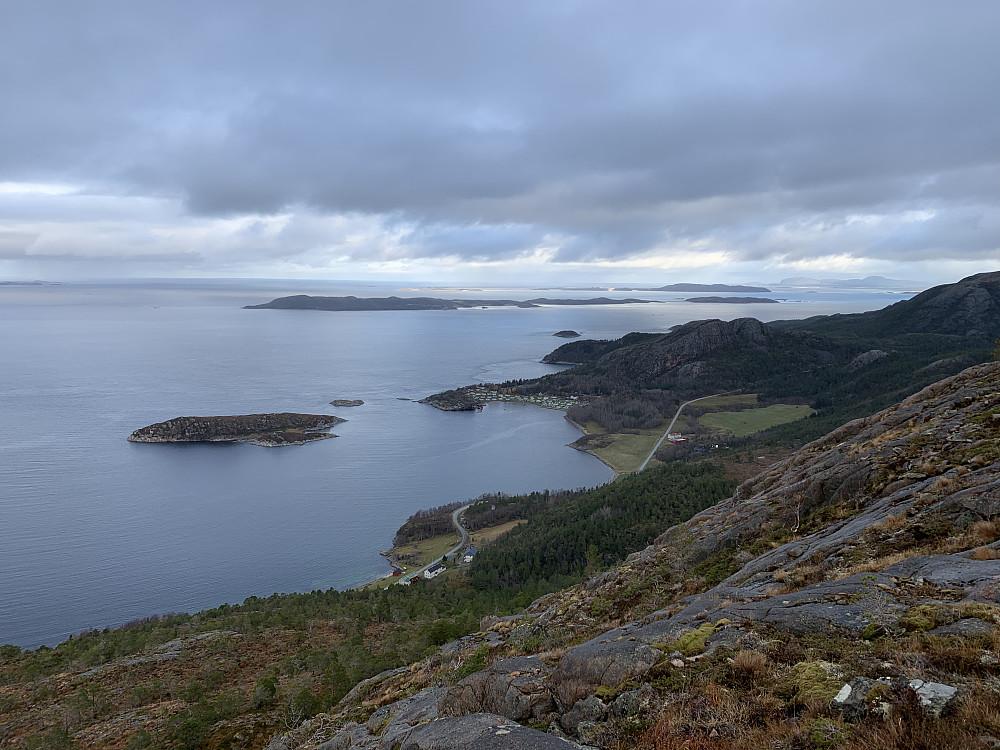 Våberg Camping med Trondheimsleia, Sørleksa og Storfosna utenfor.