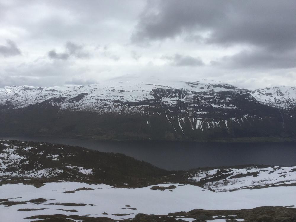 Utsikt fra Raudgrøtegga.