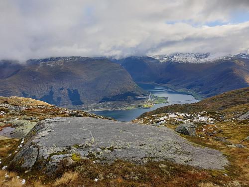 Utsikt frå Blåfjellet mot Kjøsnesfjorden