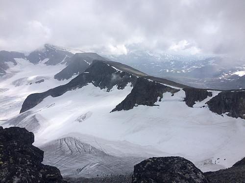 Klassisk utsikt fra SA Styggehøbretind mot Surtningssua og Blåbrehøene