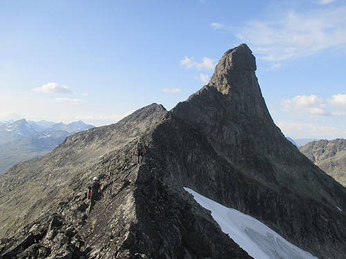 Store Svartdalspiggen er høyreist sett fra sør
