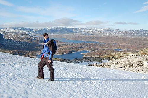 Vinterlig, men flott i høyden. Vi ser nordover mot Kjelavatnet og Ståvatnet