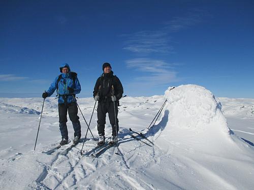 Fornøyde på toppen av Sveigen!