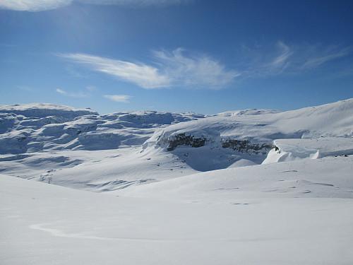 Vinterlige forhold på Sveigen, her med utsikt mot Kistenuten og Høghellernuten bakerst