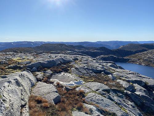 Frå Bergeheia mot Holmaknuten og brekket mot Lysefjorden