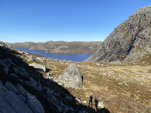 Ovanfor Krøysatjødna med utsikt mot Krokavatnet