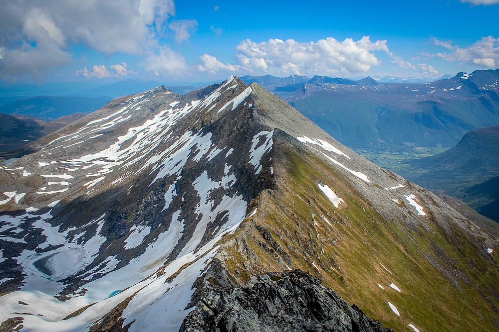Traversen fra Høgsvora til Næremstindan Øst var fri for snø