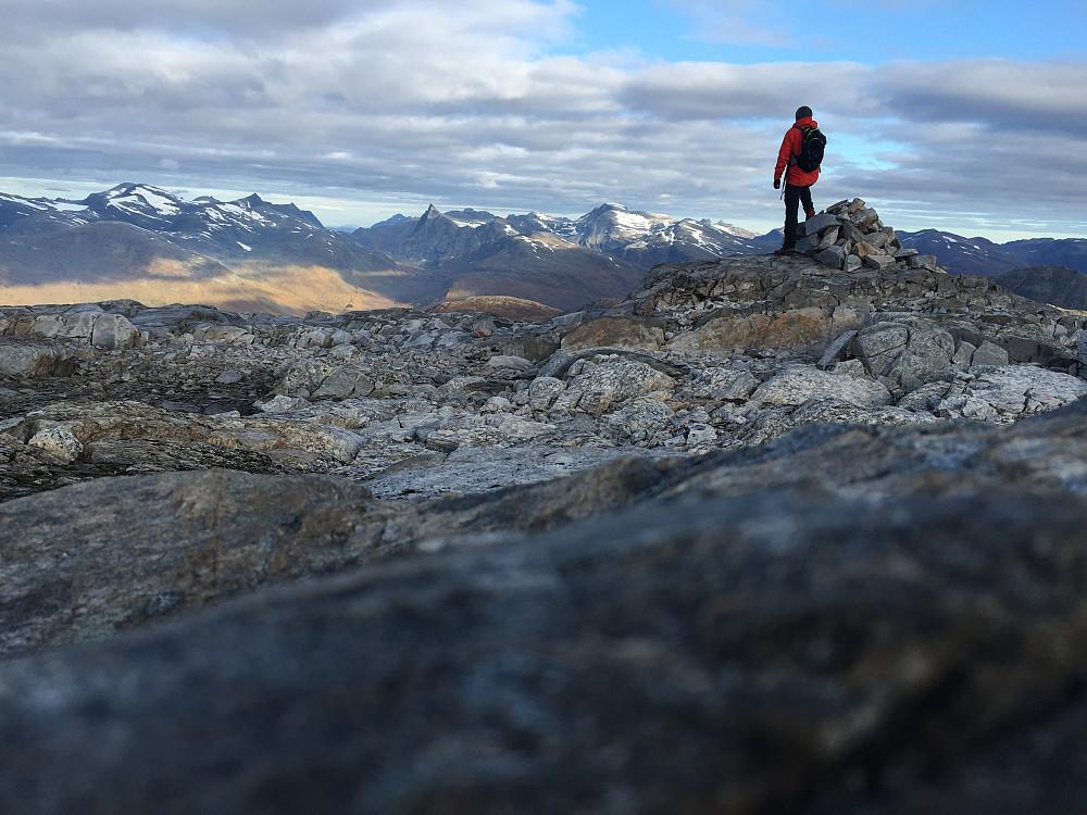 Fabelaktig utsikt fra denne toppen. Dette er på nordsiden av platået.