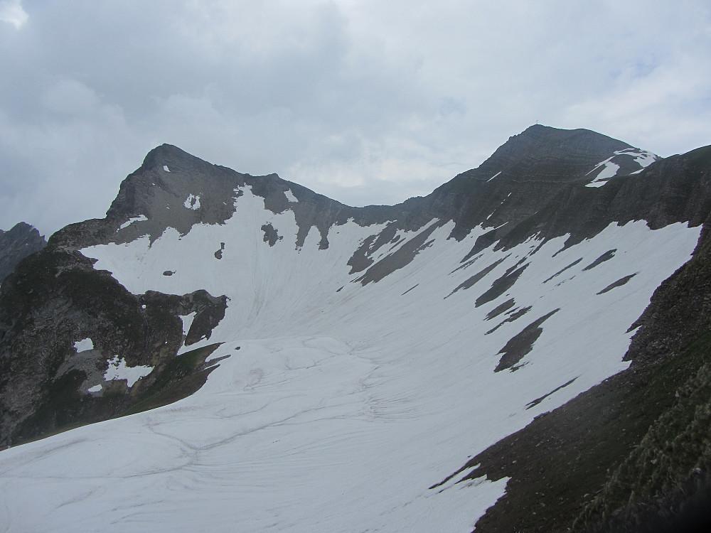 Vi fulgte sneen frem til innunder skaret mellom de 2 Grauspitzene