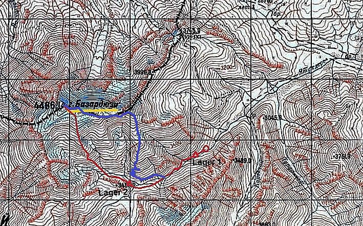 Gammelt russisk kart over området. Ruten opp i blått, retur i rødt. Kartet viser store breer i toppområdet, men det er bare noen nordvendte hengebreer igjen.