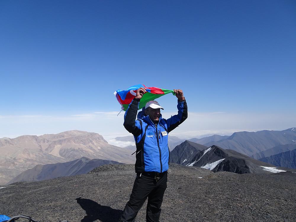 Feiring med Aserbajdsjansk flagg