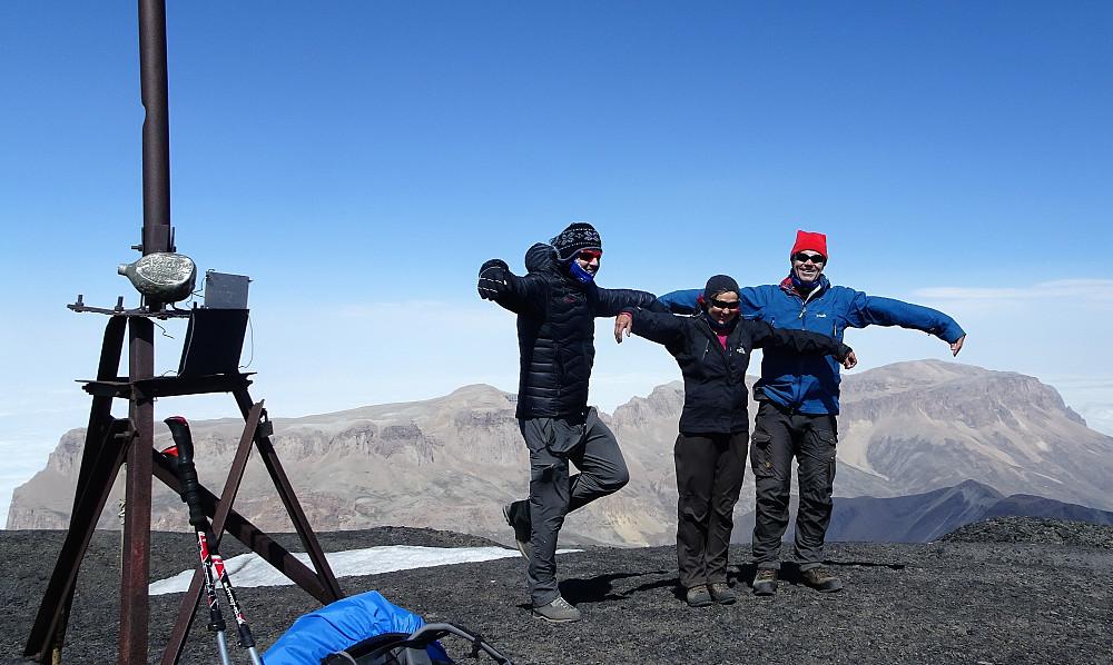 Kondorering på toppen, Shahdagh i bakgrunnen