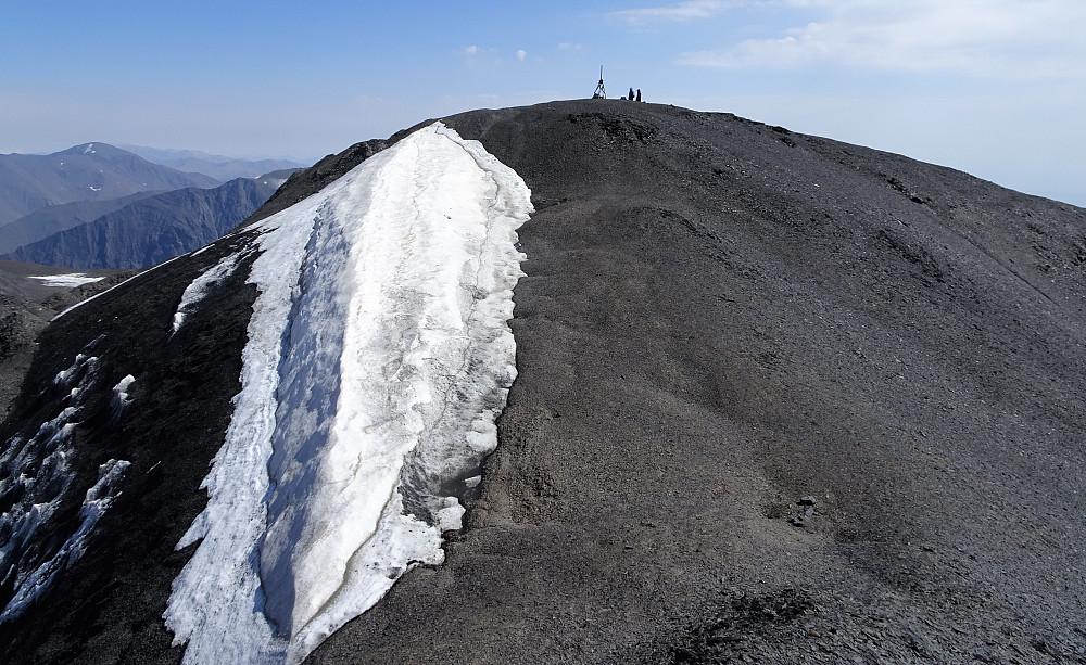 Topp-punktet sett fra noen meter inne i Russland