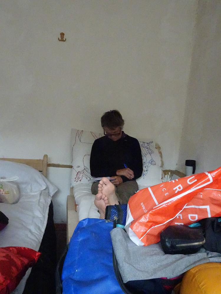 Et bilde i serien Aud skriver loggbok i søvne